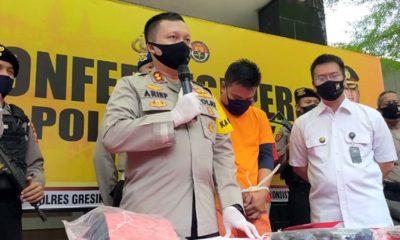 Kapolres Gresik AKBP Arief Fitrianto saat jumpa pers bersama awak media di Halaman Mapolres Gresik